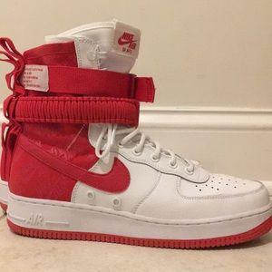 "Nike SF AF1 ""University Red"""